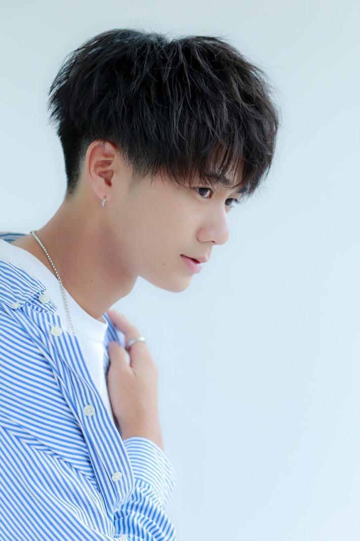 ツイスト風パーマ  〜韓流マッシュ〜 FRONT