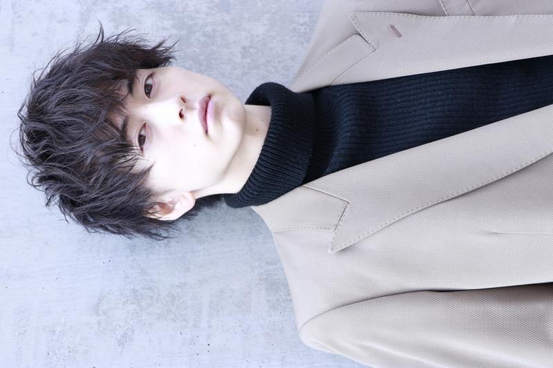 柔らかな黒髪【レイクシフォンショート】 FRONT